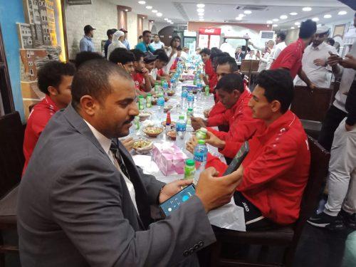 مكتب رعاية المصالح اليمنية بالدوحة يحتفي بمنتخب اليمن الوطني للشباب